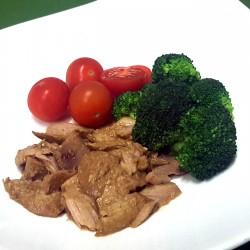 Ventresca de Atún con Brócoli y Tomatitos Cherry